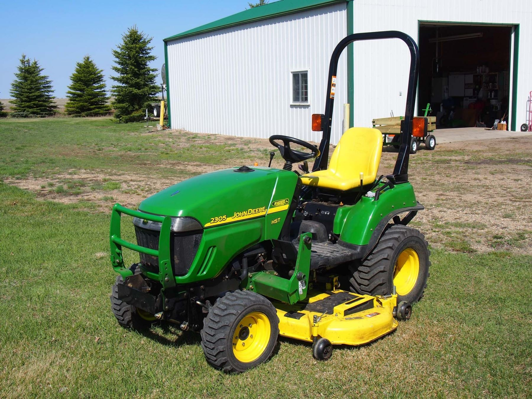 Video; Image 1 : 2007 John Deere 2305 HST MFWD W/ Mower Deck, 3PTH, ...