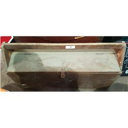 VINTAGE WOODEN TOOL BOX