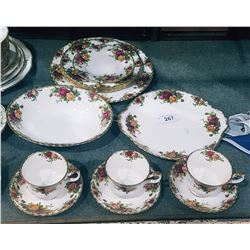 APPROX 13 PCS ROYAL ALBERT OLD COUNTRY ROSES ENGLISH BONE CHINA