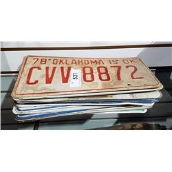 LOT OF APPROX 18 VINTAGE LICENSE PLATES