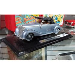 1950 MERCEDES BENZ DIE CAST CAR ON STAND