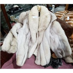 VINTAGE LADIES FOX FUR JACKET