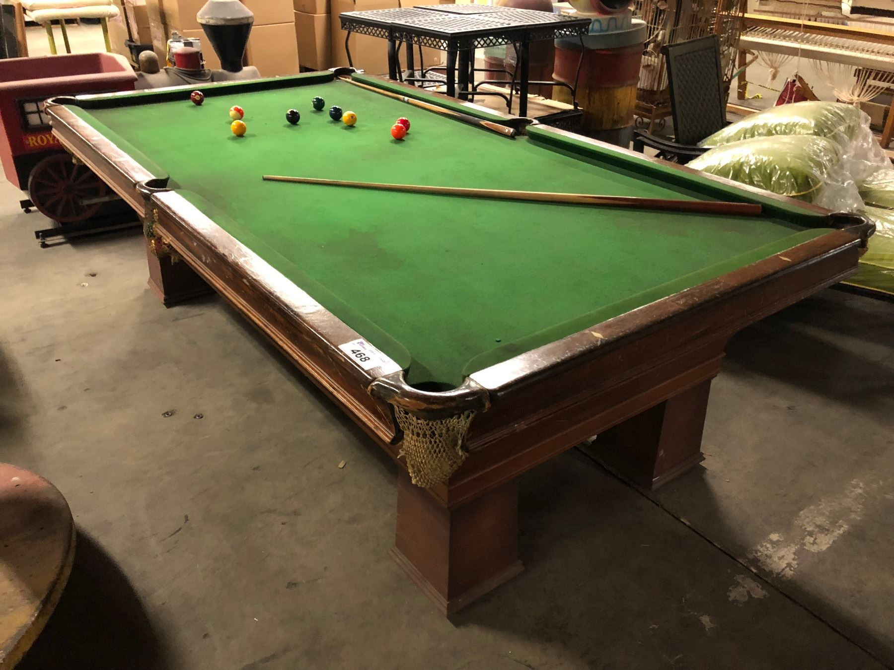 DISTRESSED MOBILE POOL TABLE WITH CUES BALLS RACK - Mobile pool table