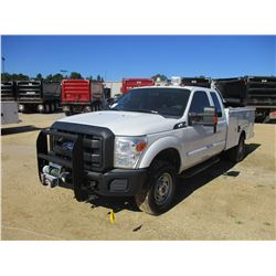 2011 FORD F350 SERVICE TRUCK, VIN/SN:1FD7X3F65BEA96216 - 4X4, EXT CAB, GAS ENGINE, A/T, OMAHA SERVIC