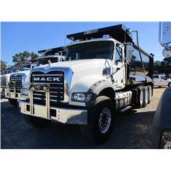 2018 MACK GU713 DUMP, VIN/SN:1M2AX07C3JM037551 - TRI-AXLE, 455 HP MACK MP8 ENGINE, ALLISON A/T, 44K