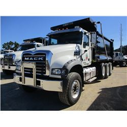 2017 MACK GU713 DUMP, VIN/SN:1M2AX97C5HM034869 - TRI-AXLE, 455 HP MACK MP8 ENGINE, ALLISON A/T, 44K