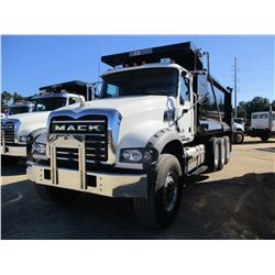 2018 MACK GU713 DUMP TRUCK, VIN/SN:1M2AX07C1JM038245 - TRI-AXLE, 455 HP MACK MP8 ENGINE, MACK T310M