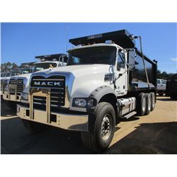 2018 MACK GU713 DUMP, VIN/SN:1M2AX07C7JM038248 - TRI-AXLE, 455 HP MACK MP8 ENGINE, MACK T310M 10 SPE