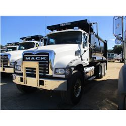 2018 MACK GU713 DUMP, VIN/SN:1M2AX07C1JM038231 - TRI-AXLE, 455 HP MACK MP8 ENGINE, MACK T310M 10 SPE