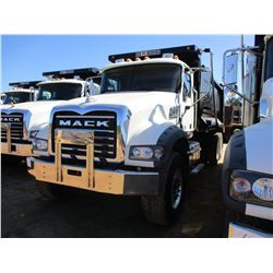 2017 MACK GU713 DUMP TRUCK, VIN/SN:1M2AX09C7HM033557 - T/A, 415 HP MACK MP8 ENGINE, ALLISON A/T, 44K