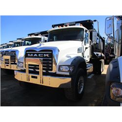 2017 MACK GU713 DUMP TRUCK, VIN/SN:1M2AX09C2HM033563 - T/A, 415 HP MACK MP8 ENGINE, ALLISON A/T, 44K