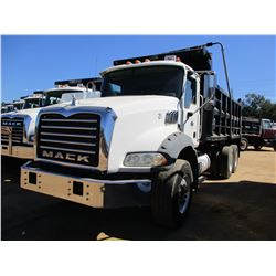 2007 MACK CTP713B DUMP, VIN/SN:1M2AT13CX7M001761 - T/A, 395 HP MACK MP7 ENGINE, 10 SPEED TRANS, 44K