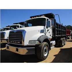 2007 MACK CTP713B DUMP, VIN/SN:1M2AT13C57M002042 - T/A, 395 HP MACK MP7 ENGINE, 10 SPEED TRANS, 44K
