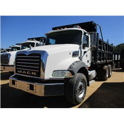 2007 MACK CTP713B DUMP, VIN/SN:1M2AT13C97M002013 - T/A, 395 HP MACK MP7 ENGINE, 10 SPEED TRANS, 44K