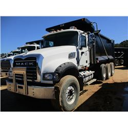 2007 MACK CTP713 DUMP, VIN/SN:1M2AT04C17M003391 - TRI-AXLE, 405 HP MACK MP7 ENGINE, MACK T310M 10 SP