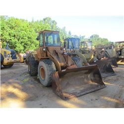 DRESSER 520C WHEEL LOADER, VIN/SN:P010862 - BUCKET, CAB, A/C, 20.5R25 TIRES, METER READING 3,925 HOU