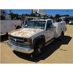 1997 CHEVROLET 3500 SERVICE TRUCK - GAS ENGINE, A/T SERVICE BODY