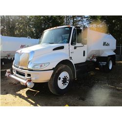 2004 INTERNATIONAL 4400 WATER TRUCK, VIN/SN:1HTMKAAN14H652115 - S/A, IHC DIESEL ENGINE, 10 SPEED TRA