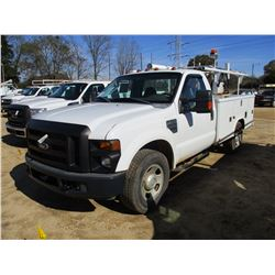 2009 FORD F350XL SERVICE TRUCK, VIN/SN:1FDSF34579EA87728 - V8 GAS ENGINE, A/T, READING SERVICE BODY,