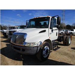 2004 INTERNATIONAL 4200 CAB & CHASSIS, VIN/SN:1HTMPAFL34H664517 - S/A, VT365 ENGINE, A/T, ODOMETER R