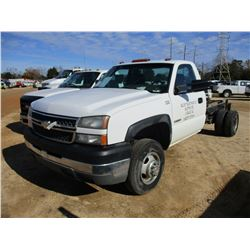 2005 CHEVROLET 3500 CAB & CHASSIS, VIN/SN:1GBJC34U35E332331 - GAS ENGINE, A/T, ODOMETER READING 183,