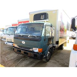 2000 UD 1800CS BOX TRUCK, VIN/SN:JNAUXV1J6YA401255 - S/A, DIESEL ENGINE, A/T, 15' BOX BODY, ROLL UP
