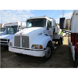 1999 KENWORTH T300 SEPTIC TRUCK, VIN/SN:1NKMHZ7XPXS817420 - S/A, CUMMONS DIESEL ENGINE, 6 SPEED TRAN
