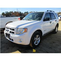 2011 FORD ESCAPE VIN/SN:1FMCU4K3XBKC05876 - GAS ENGINE, A/T, ODOMETER READING 106,290 MILES