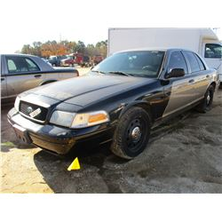 2011 FORD CROWN VICTORIA VIN/SN:2FABP7BV7BX168685 - V8 GAS ENGINE, A/T, ODOMETER READING 189,265 MIL