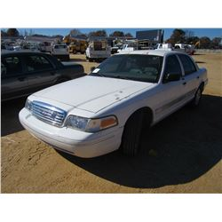 2004 FORD CROWN VICTORIA VIN/SN:2FAFP74W14X186142 - V8 GAS ENGINE, A/T, ODOMETER READING 153,781 MIL