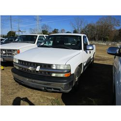 2001 CHEVROLET SILVERADO VIN/SN:1GCEC14T31Z275608 - GAS ENGINE, A/T, ODOMETER READING 207,809 MILES
