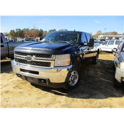 2011 CHEVROLET 2500HD PICK UP, VIN/SN:1GC1KXC8XBF174943 - 4X4, CREW CAB, DURAMAX DIESEL ENGINE, A/T,