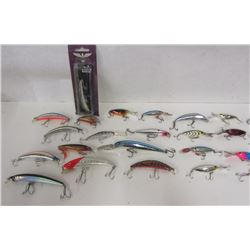 LOT OF BODY BAITS AND SPOONS