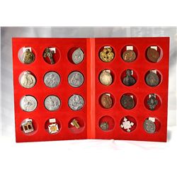 Collection Leo Meloche, Album with 24 mostly large Religious Medals #3, Rare