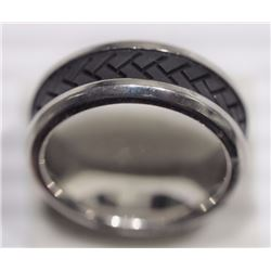 RING - NEW - WIDE BAND - STAINLESS STEEL & TIRE TREAD DESIGNED CENTER BAND