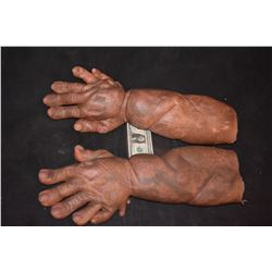 STAR TREK SCREEN USED HERO ALIEN DEMON CREATURE HANDS SILICONE