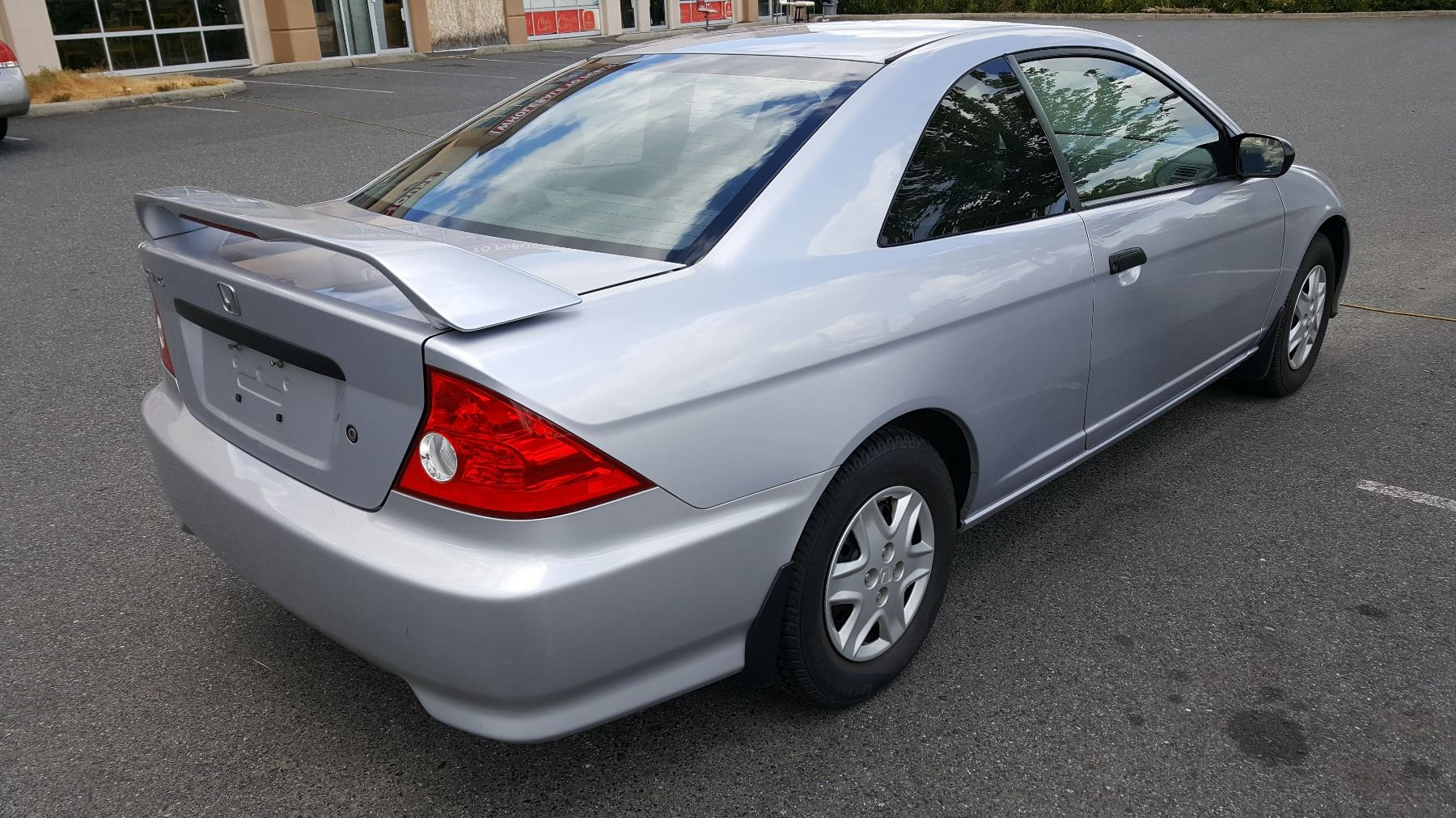 Image 4 2004 HONDA CIVIC 2 DOOR COUPE 193547KM 5 SPEED MANUAL WITH 3 KEYS