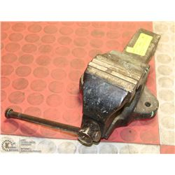 """WOODEN 3-1/2"""" BENCH VICE, MADE IN ENGLAND"""
