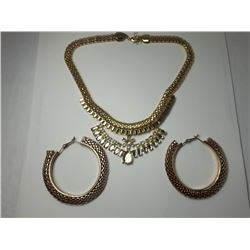 13 - GOLD TONE CHAIN & CRYSTAL