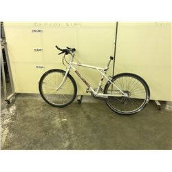 WHITE NO NAME 21 SPEED HYBRID BIKE, NO SEAT
