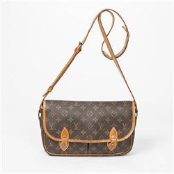 LOUIS VUITTON Gibeciere PM