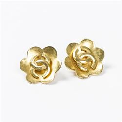 CHANEL Logo Flower Background Clip Earrings
