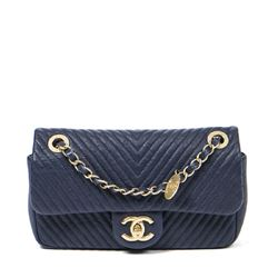CHANEL Chevron Flap Bag 21 CM