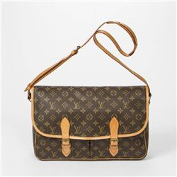 LOUIS VUITTON Gibeciere GM