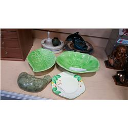 SHELF LOT OF COLLECTIBLE PLATES LEAF DISHES AND FIGURES ETC