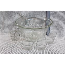 Vintage Style Punch Bowl w/Ladle and 7 Glasses