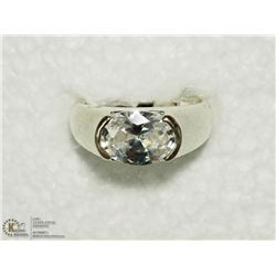 29) SILVER CUBIC ZIRCONIA RING