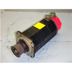 FANUC A06B-0512-B002#7000 MODEL 10S AC SERVO MOTOR * CRACK/HOLE ON PLASTIC CAP!! SEE PICS!!