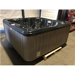 CAL SPAS TRANQUILITY 7'X7' HOT TUB WITH 40 HALO SS JETS, 3 PILLOWS, 5.5KW HEATER, 50 SQ FT FILTER,