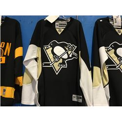 REEBOK NHL PITTSBURG PENGUINS JERSEY (SIZE XL)